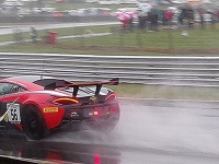 Mclaren-In-The-Wet._Alfie-Oulton_015.0